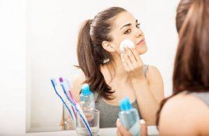 mujeres, cuidado de la piel