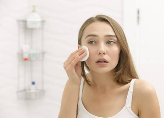 engañar para la limpieza de prevención de las arrugas