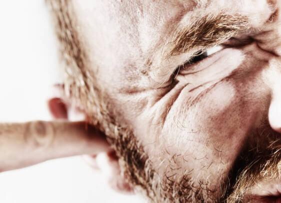 la cera de oído removedor