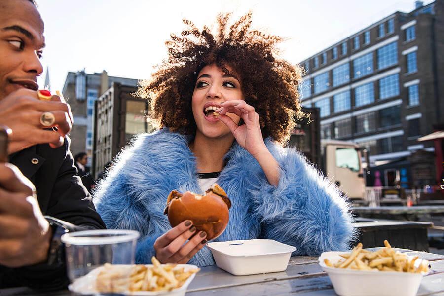 donna, alimentazione, cattive abitudini