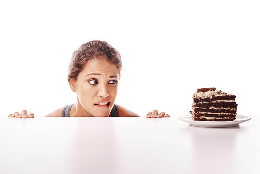 las mujeres, los malos hábitos alimenticios, el chocolate