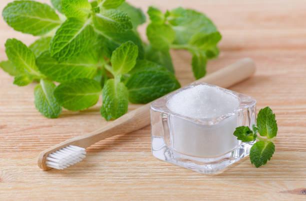 Pasta con miel y sal para blanquear los dientes